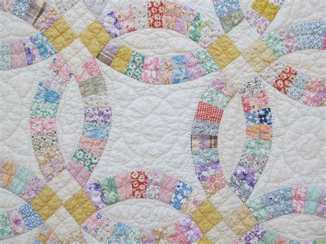 lovely vintage 1930 s double wedding ring quilt pretty