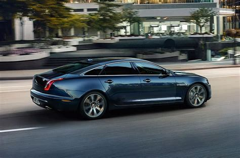 Jaguar Auto Xj by Jaguar Xj Luxury Saloon Car Jaguar
