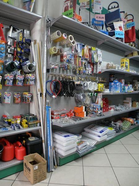 scaffali per ferramenta arredamento ferramenta arredo negozio ferramenta