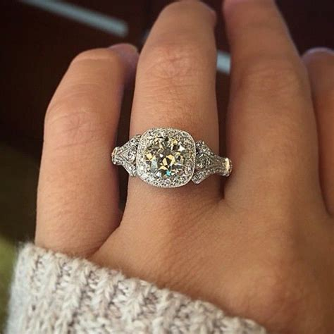 engagement ring etiquette do s and don ts halo