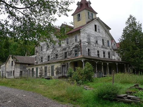 old abandoned houses 30 cool abandoned houses pictures