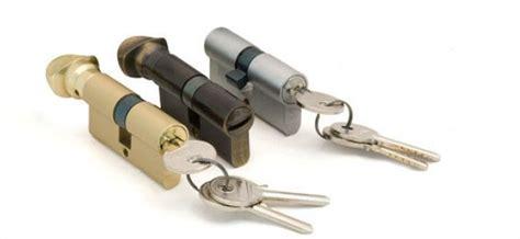 come fanno i ladri ad aprire le porte blindate serrature sicure come proteggersi da ladri e scassinatori