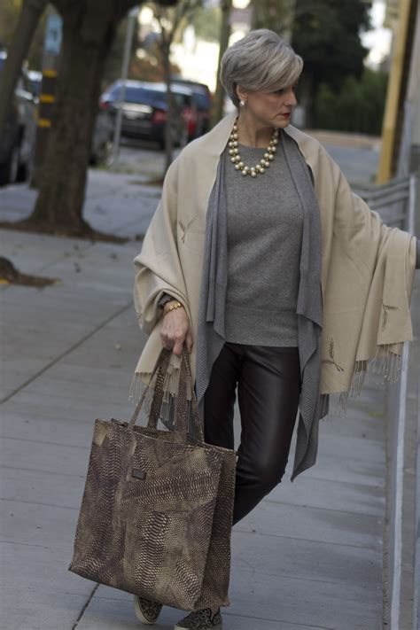 stylish cruise wear 60 yr old woman travel tales style at a certain age overfiftyblogger