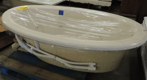 jacuzzi brand bathtub brand new almond color jacuzzi bath tub all4u