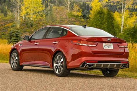 kia optima vs kia optima hybrid 2015 vs 2016 kia optima what s the difference autotrader