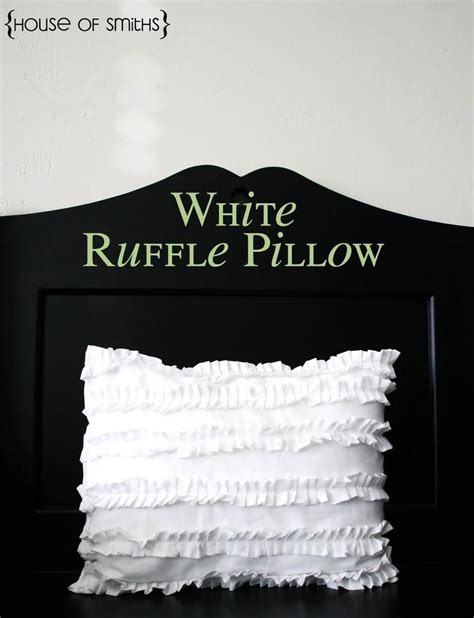 Diy Ruffle Pillow by White Ruffle Pillow Tutorial From Thehouseofsmiths