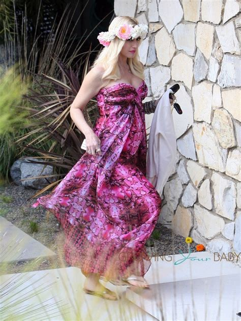 Who Attends Baby Showers by Gwen Stefani Attends A Baby Shower Growing Your