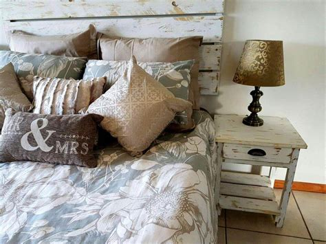 pallet headboard and bedside tables 101 pallets