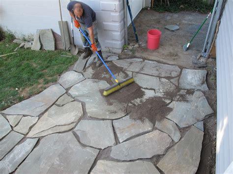 how to install flagstone patio the 12 hour diy flagstone patio merrypad