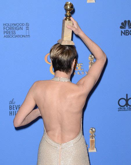 robin wright biggest wardrobe malfunctions of 2014 so far golden globes 2014 robin wright turns acceptance speech