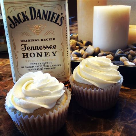 jack daniels honey cupcakes 72 best images about nikkicakes on pinterest 40th