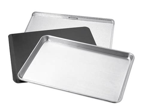 Simple Tip Use Two Cookie Sheets by Use A Cookie Sheet W Newspaper Or Wax Paper For A