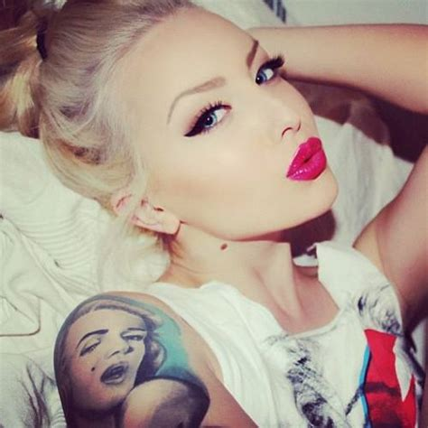 red lips tattoo girl fresh girl via facebook image 1038039 by korshun on