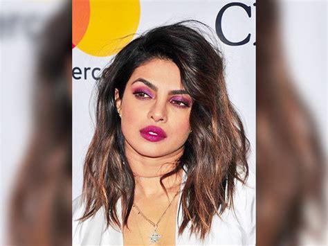 priyanka chopra in grammy awards 2018 priyanka chopra slayed it in a monochrome at the grammy