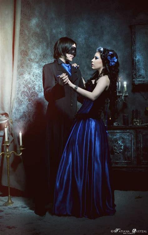 el baile del destino es el baile de las sombras que deja que la noche haga gala de los movimientos nocturnos entre la