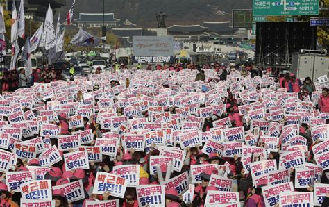 Demand Letter In Korean Seoul South Korea Hundreds Of Thousands Rally In Seoul To Demand Park S Ouster