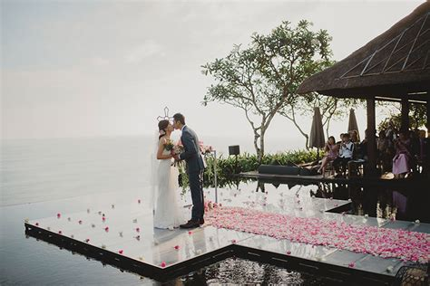8 Pros And Cons Of A Destination Wedding by Pros And Cons Of A Destination Wedding Hong Kong Wedding