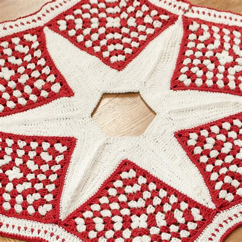 crochet christmas tree skirt patterns crochet tree skirt pattern part 2 the petals to picots