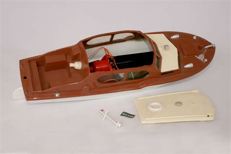 Electric Cabin Cruiser tri ang derwent electric cabin cruiser spa cottage collectables