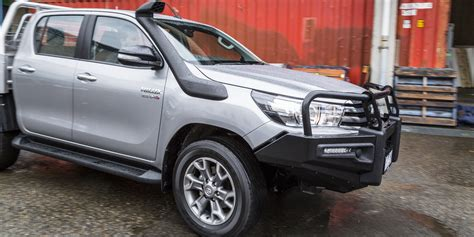 Hilux Toyota 2016 Toyota Hilux Sr 4x4 Cab Chassis Review Caradvice