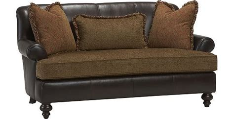 havertys bernhardt leather sofa bernhardt alisa settee haverty s i want this for