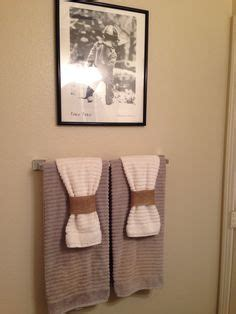ways to hang bathroom towels 1000 images about decorative towels on pinterest