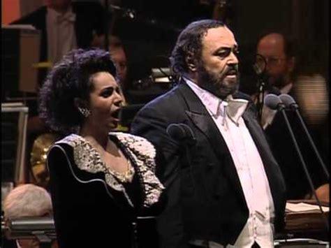 libiamo nei lieti calici testo luciano pavarotti la traviata libiamo ne lieti calici