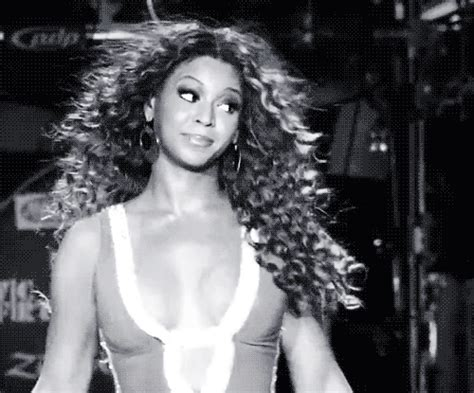 Beyonce Looks Oh So Thrilled by 35 Beyonc 233 Gifs That Are Going To Make You Wish You Were