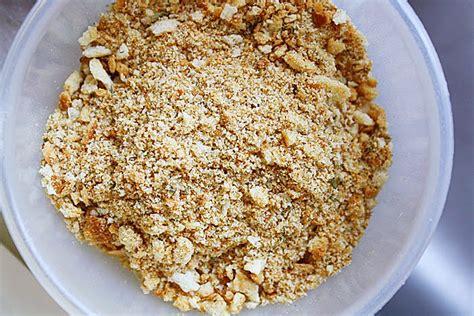 how to make seasoned breadcrumbs