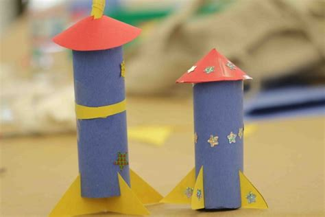 How To Make A Paper Rocket Ship That Flies - recycled with toilet paper rolls green diary green