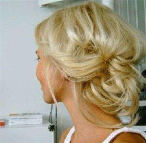 pintrest messy ypdos messy updo medium length hair make up pinterest