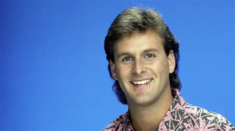 full house joey dave coulier confirms uncle joey will return for netflix s full house revival polygon