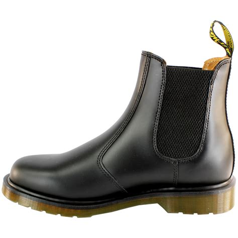 Sepatu Dr Martens Low Leather 03 womens dr martens airwair leather chelsea boot low heel