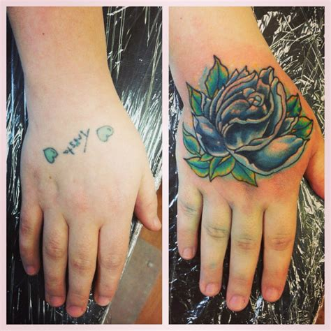 hand tattoo cover up school femme galerie tatouage