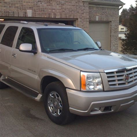 jeep escalade 25 best ideas about 2004 escalade on pinterest chatons