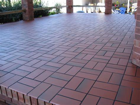 basketweave with quarry tile concrete patio
