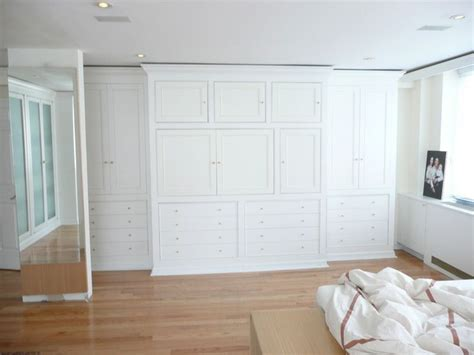 Built In Wall Closets by Pin By Peg Sasker On For The Home