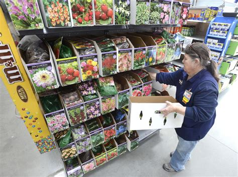 Gardening Department Wal Mart S Strategy Higher Pay Hires Stay The Portland