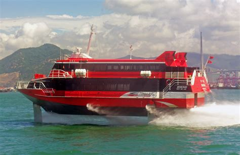 how does a catamaran ferry work file turbojet hydrofoil cacilhas in hong kong harbor jpg