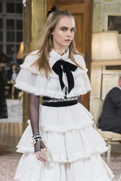 Fab Ad Chanel Mtiers Dart Collection by Cara Delevingne And Kendall Jenner Chanel Metiers Dart