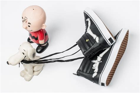 Sepatu Vans Authentic Peanuts Limited Edition vans is released limited edition sneakers for peanuts fans on may 13 footwear news