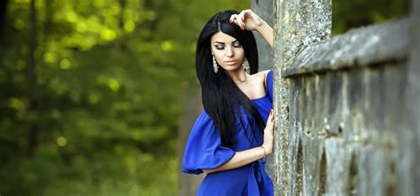 6 Blogs With Amazing Fashion And Tips by What Of Makeup Do You Wear With A Blue Dress