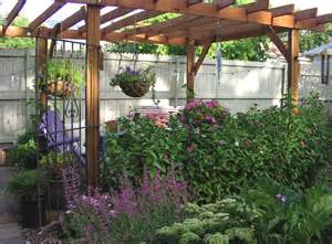 Pergola Plants For Shade by 3 Plant Options For A Patio Pergola