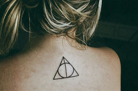 harry potter deathly hallows tattoo harry potter tattoos deathly hallows