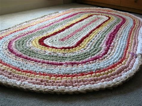 Make A Rag Rug by Savvy Housekeeping 187 How To Make A Rag Rug