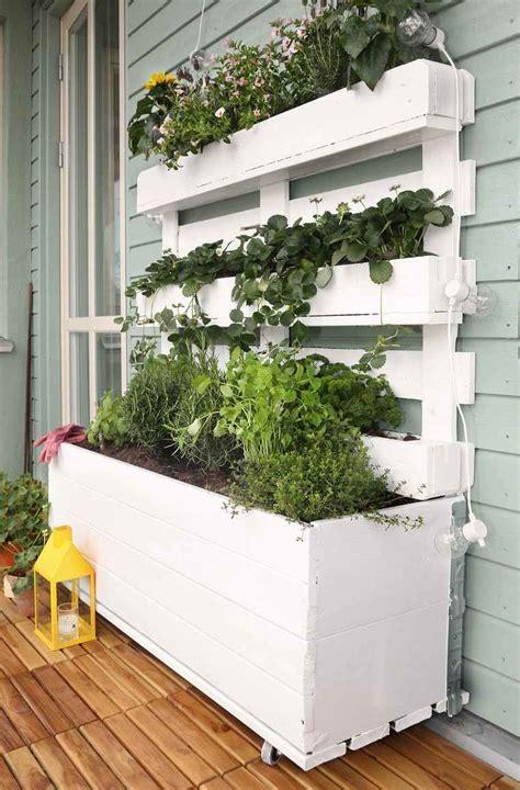 Fabriquer Jardiniere En Palette by Fabriquer Une Jardini 232 Re Verticale En Palette Tutos Et