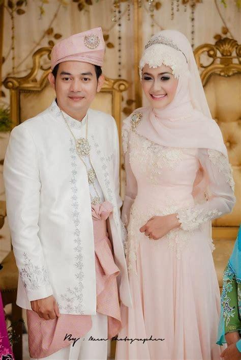 Baju Muslim Pasangan Contoh Baju Kebaya Pengantin Muslim Pasangan Jpg 736 215 1099