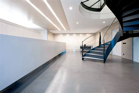 resina per pavimenti costi pavimenti in resina costi pavimento per interni quanto
