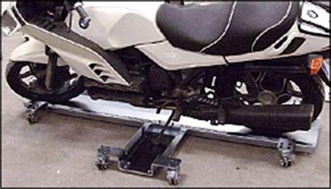 Motorrad In Garage Rangieren by Rangierhilfe F 252 R Motorr 228 Der Mit Seitenst 228 Nder Firmenpresse
