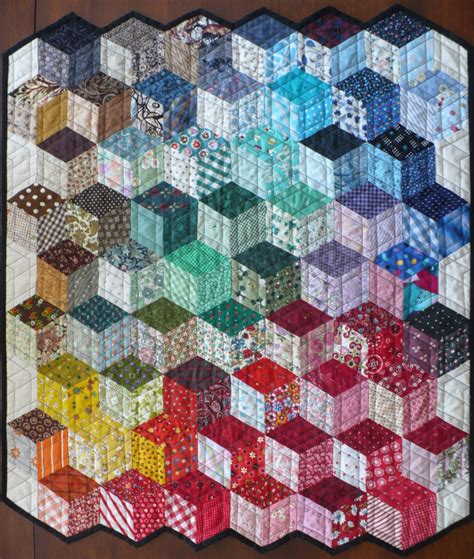 quilt pattern tumbling blocks a tumbling blocks design i like the way the colors are